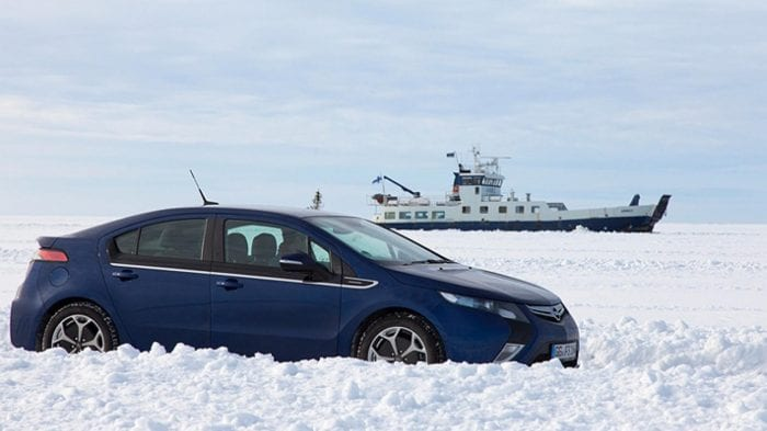 Driving across the sea in an Ampera