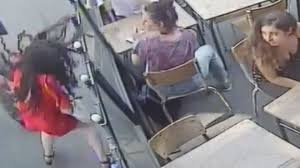woman harassed, assaulted on Paris street