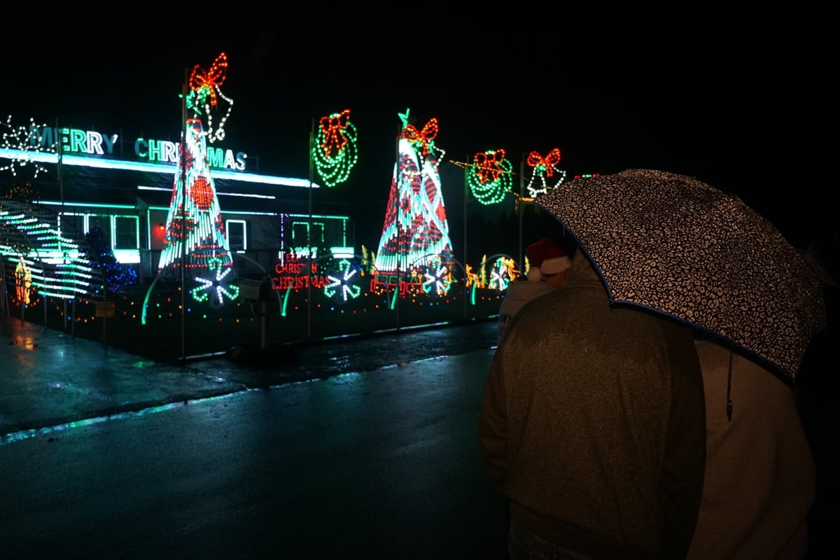 New Jersey family faces thousands in fines DAILY for their annual Christmas light spectacle that got them on national TV but they insist the show must go on