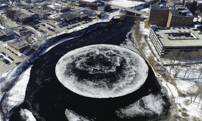 'Crop circle' forms on icy Maine river